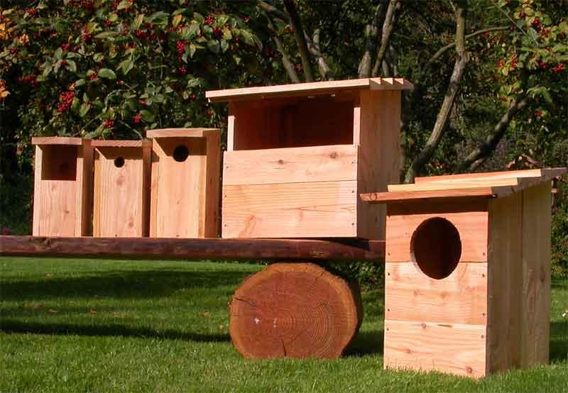Fuglekasser til alle fuglene i haven